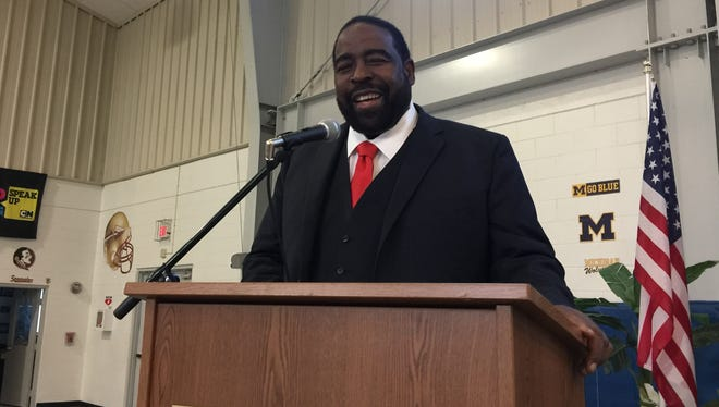 """Motivational speaker Les Brown told attendees at the Boys & Girls Club of Collier County Great Futures Breakfast that when someone taunts you, """"the best revenge is massive success."""" He spoke on Oct. 13, 2016, at the group's gym in East Naples."""
