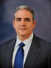 Dr. Ralph de la Torre