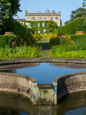 A Peek Into Prince Charles Gardens At Highgrove