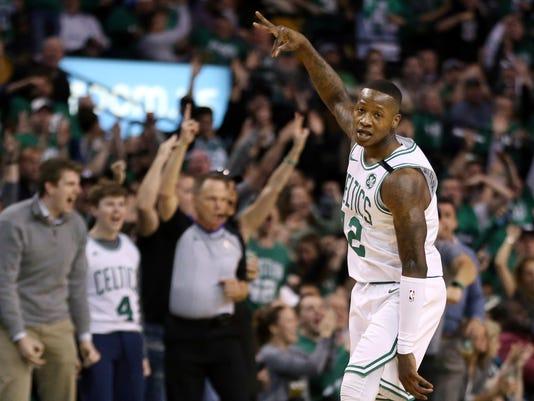 76ers_Celtics_Basketball_34174.jpg