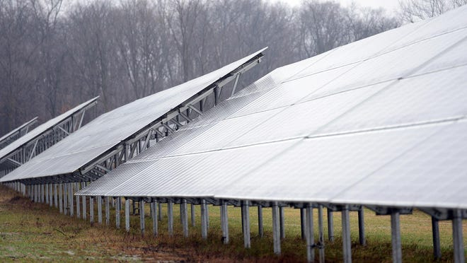 Under the revised program, customers who want their electricity generated by wind and solar resources will pay a subscription fee of 7.2 cents per kilowatt hour.