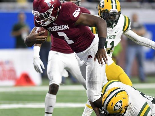 Muskegon quarterback La'Darius Jefferson (2) could