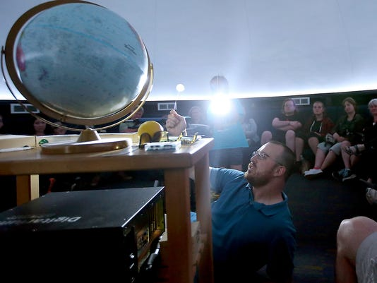 Eclipse-Planetarium-Show-01.jpg