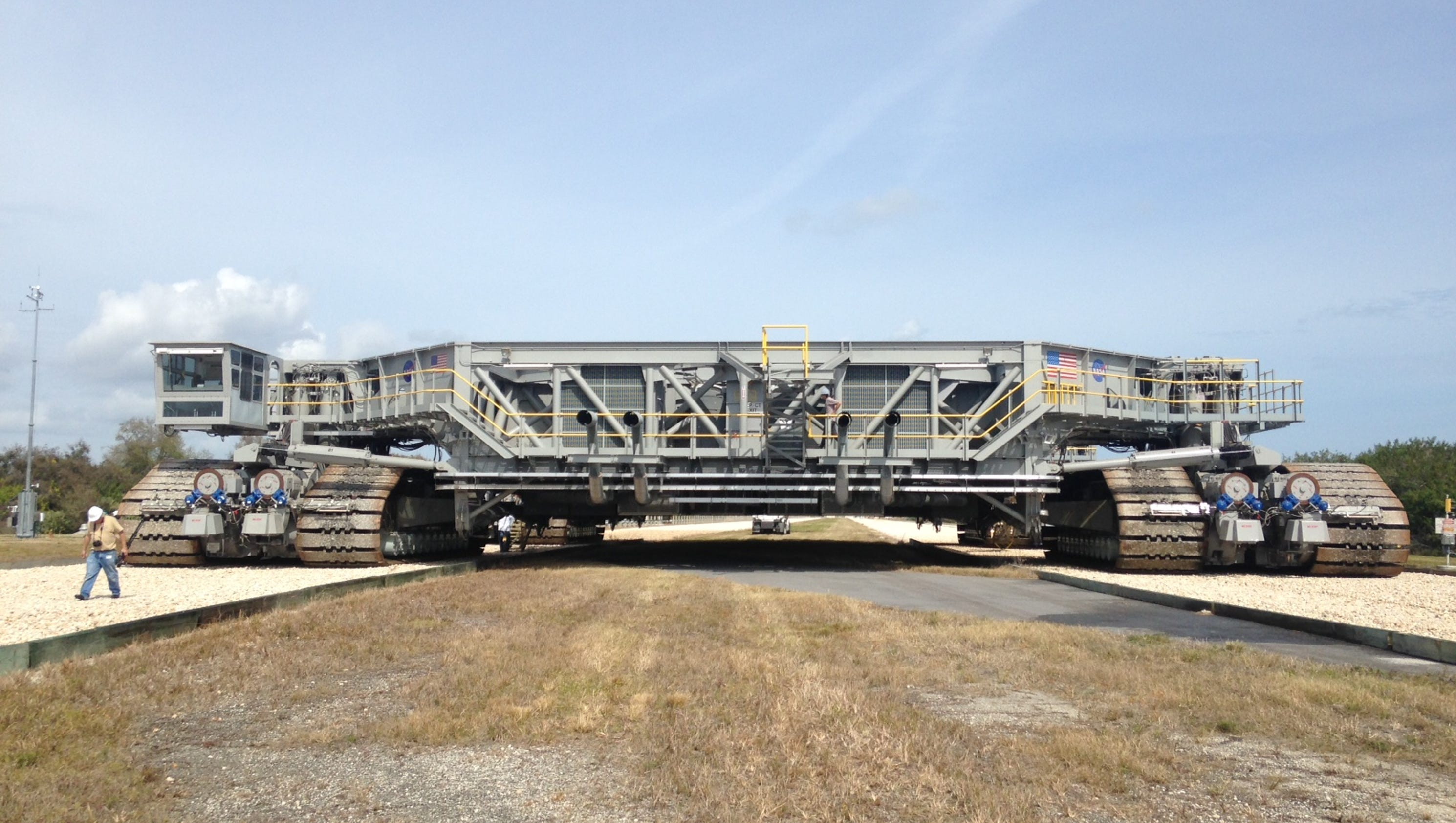 nasa tests upgraded crawlertransporter at ksc