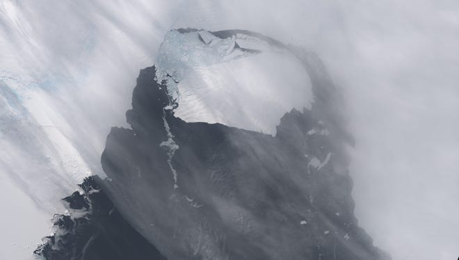 Iceberg B-31 in Antarctica's Pine Island Glacier is seen from the NASA Earth Observatory on Nov. 13.