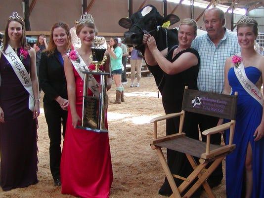 Sara-Feldmann-Ron-Roskopf-and-queens-1-.JPG