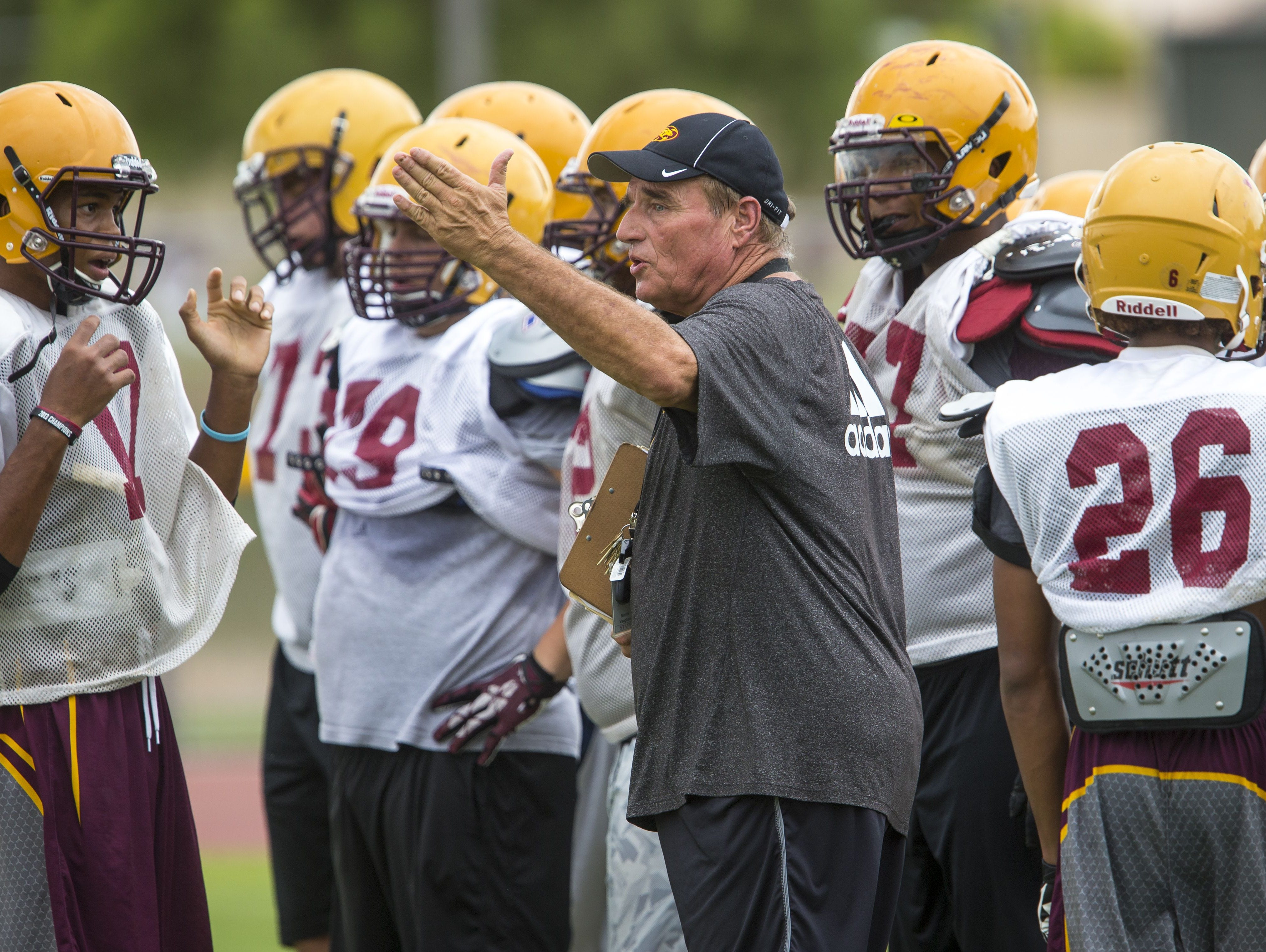 Is defending champion Mountain Pointe the team to beat in Division I?