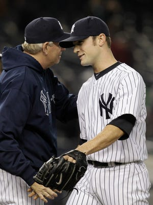 Yankees closer David Robertson rejected the team's qualifying offer on Monday and will test the free-agent market.