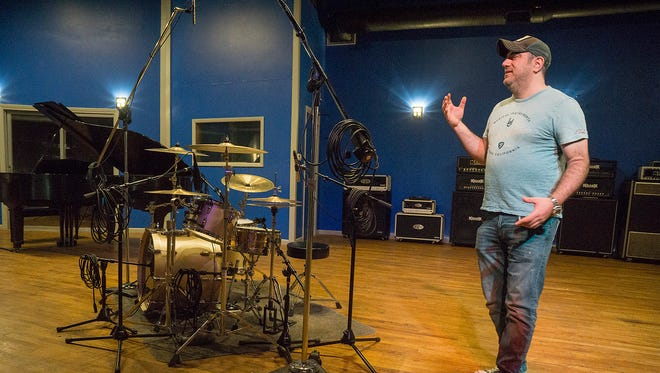 Chuck Alkazian talks history of music at Pearl Sound.