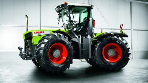 Claas of America modified its Xerion 4x4 tractor for North America.