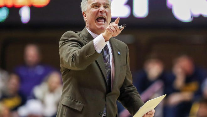 Kansas State coach Bruce Weber announced the signing of Wisconsin high school center Logan Landers on Wednesday.