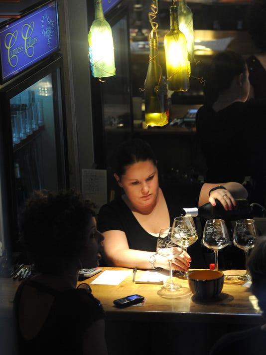 MNJ 0826 Wine tasting_1