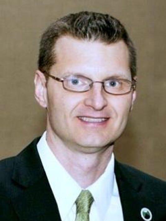 Andrew P Avery