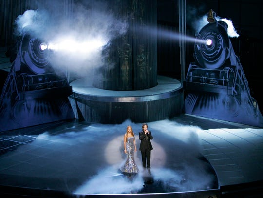 Beyonce Knowles and Josh Groban perform the Oscar nominated