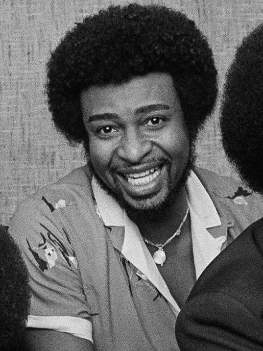 Otis Williams, Melvin Franklin, Glenn Beonard, Richard Street, Dennis Edwards