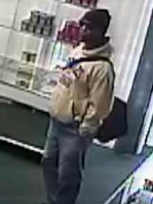 635845772191355046-Robbery-Suspect.JPG