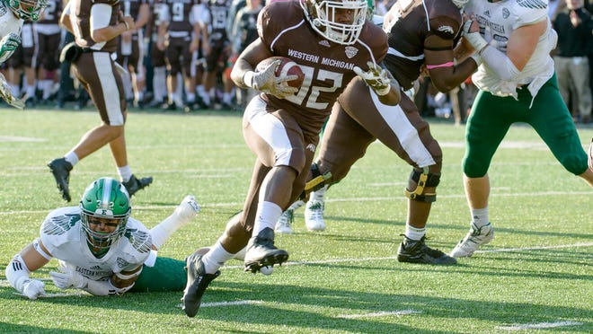 Western Michigan RB Jamauri Bogan scores for the Bronco's 3rd touchdown Saturday afternoon during the second quarter of play.
