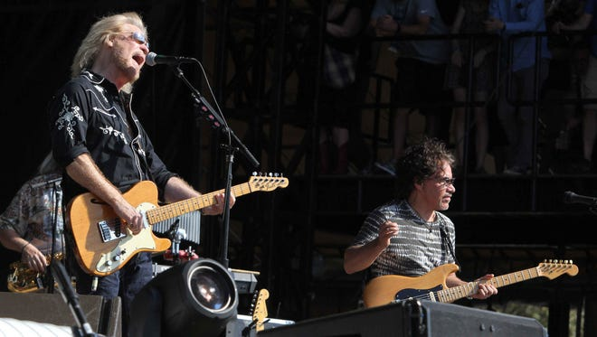 Daryl Hall and John Oates performs during Music Midtown 2015 at Piedmont Park Saturday, Sept. 19, 2015, in Atlanta.