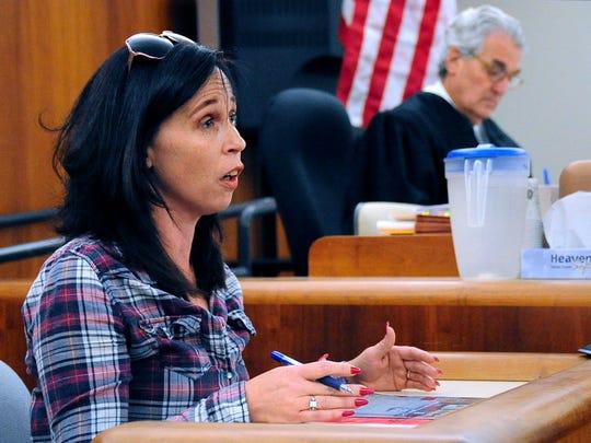 Karlyn Sizemore testifies Monday, Nov. 13, 2017 in