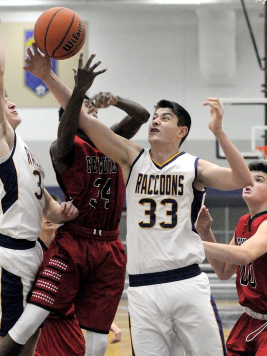Boys Basketball: Pewaukee at Oconomowoc