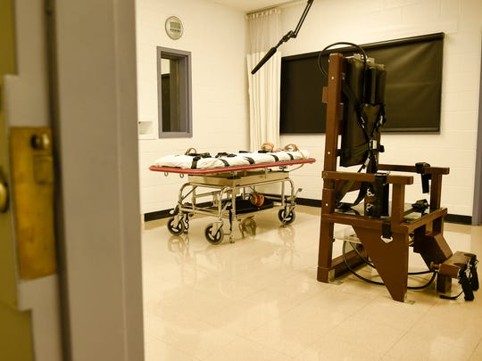 The gurney and electric chair sit inside the execution chamber Thursday, March 2, 2017, at Riverbend Maximum Security Institution in Nashville.