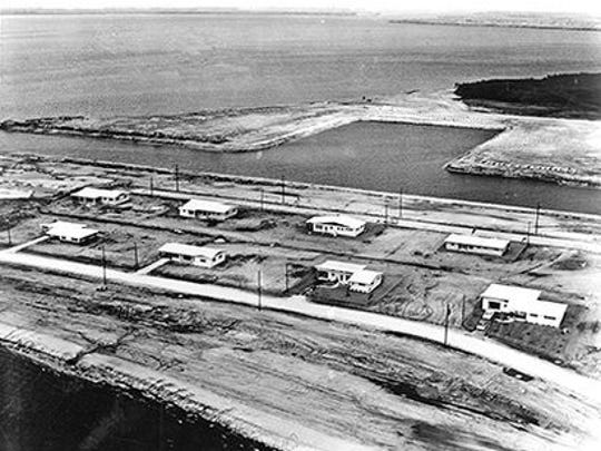 """Early Cape Coral residents were essentially They were marooned in """"Wonderland."""""""