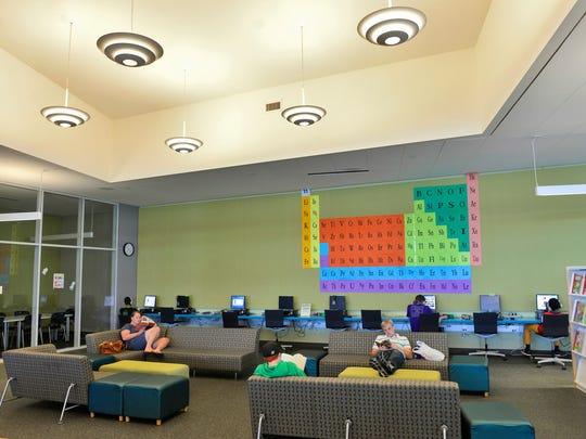 STC 0712 Library 3.jpg