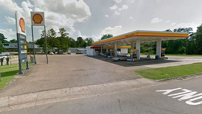Shell Gas Station and Convenience Store on Daniel Lake Boulevard in Jackson, Miss.