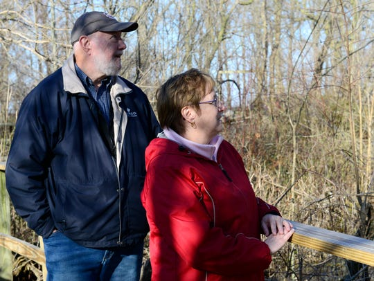 Larry and Debbie Kelly of Westerville, Ohio birdwatch