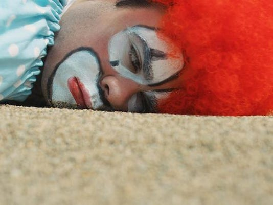 5 things-clowns and robbers