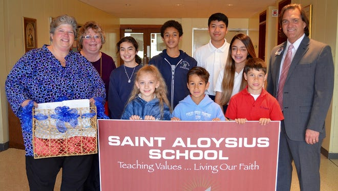 Saint Aloysius School recently teamed up with the Meridian Health Village at Jackson as part of the Diocesan Day of Service of Catholic Schools throughout the Diocese of Trenton.