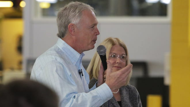 U.S. Sen. Ron Johnson and other legislators get U.S. Dept. of Health and Human Services to implement rule on opioids.