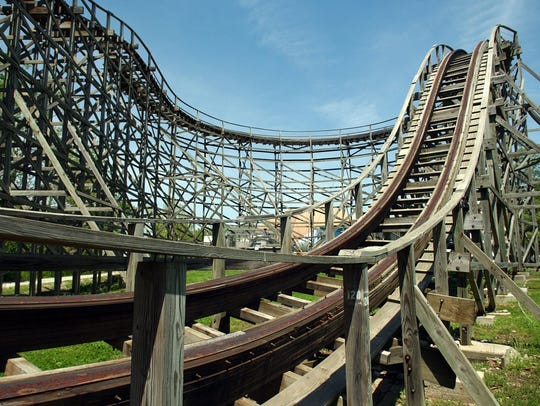 Photo of the Screechin Eagle rollercoaster in 2002