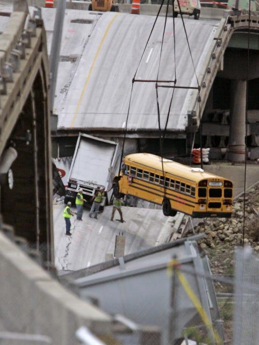 Islamic State Americans Bridge Collapse Survivor (2)