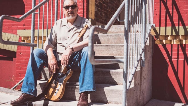 David Bromberg plays the German House Theatre on Friday.