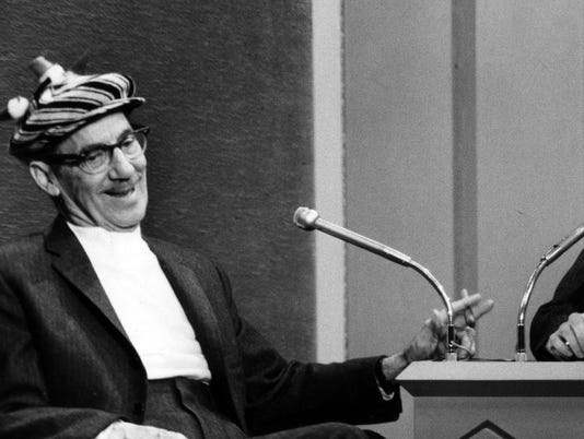 635906127926635797-1.-Groucho-Marx-appearing-on-the-Dick-Cavett-Show-in-the-early-1970s---ABC.jpg