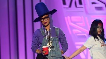 FYI: Erykah Badu is not a fan of her colon