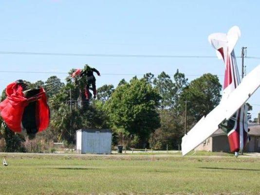 APTOPIX Skydiving Acc4