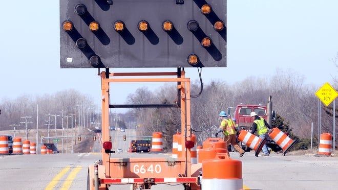 A couple of bridge projects will impact drivers next week in the Lansing area.