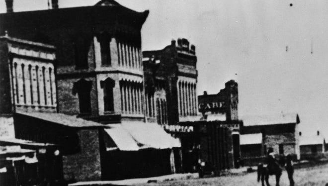 Pine Street in 1895