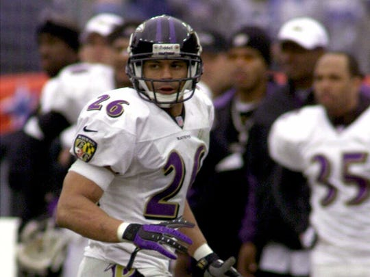 Baltimore Ravens safety Rod Woodson moves against the Tennessee Titans in Nashville, Tenn., Sunday January 7, 2001. The Ravens will meet the New York Giants in Super Bowl XXXV Sunday Jan. 28 in Tampa, Fla.