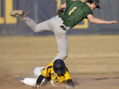 Howell's Riley Bennett had four hits to help his team split a doubleheader with Grand Blanc on Wednesday.