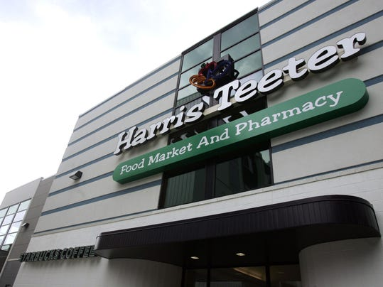 Harris Teeter opens its doors