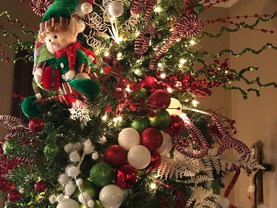 A good tree should have a balance of sprays and ornaments,