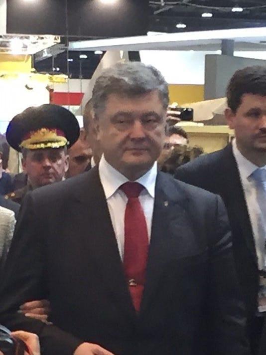 Petro-Poroshenko-022415