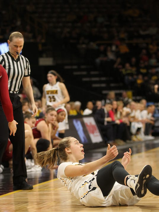 636261458361287603-IOW-0326-Iowa-vs-Wash-St-WNIT-09.jpg