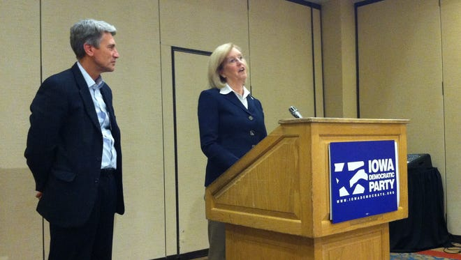 Iowa Democratic Party Chair Andy McGuire, right, and Democratic National Committee Vice Chair R.T. Rybak critique the Iowa Ag Summit during a press conference Saturday morning.