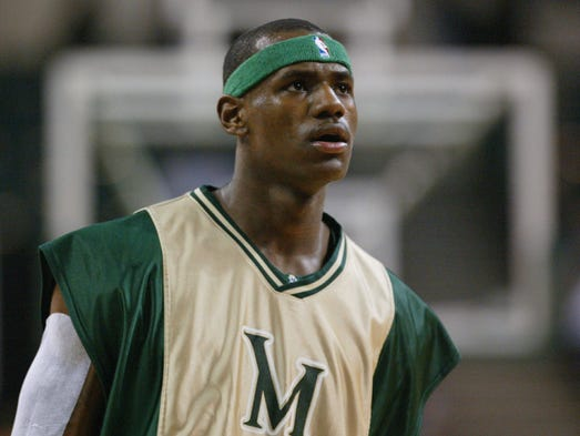 17-year-old phenom LeBron James of St. Vincent-St.