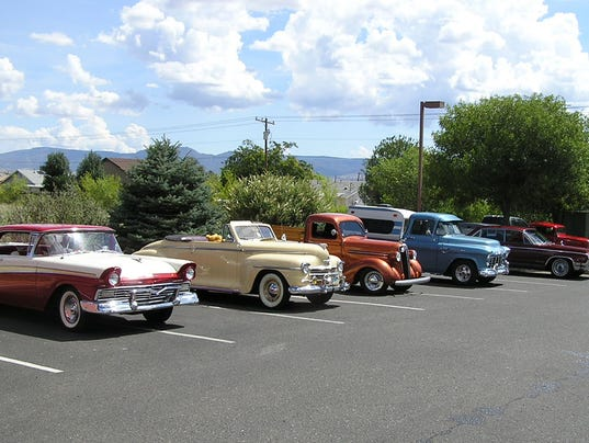 Classic Cruisers Car Show