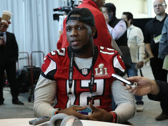 Atlanta Falcons receiver Mohamed Sanu (12) talks with